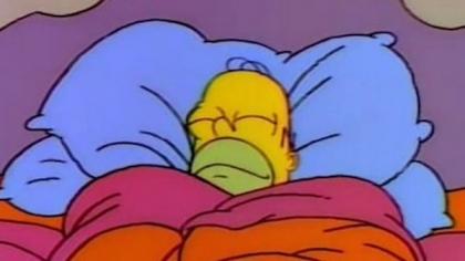 Homer está tan calentito en la cama que no quiere salir